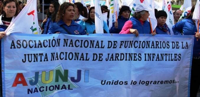 Trabajadores de la Junji llegan a acuerdo con institución y suspenden el paro