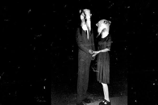 Estas 20 Fotos demuestran que los disfraces de Halloween de antes eran mucho más escalofriantes que los actuales