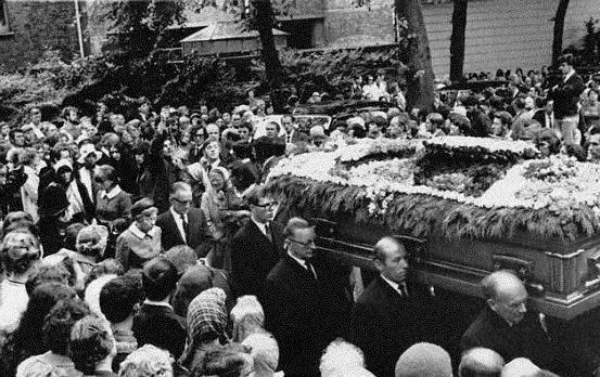 Caso Neruda: Gobierno se suma a tesis de su asesinato