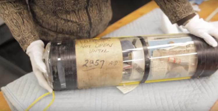 Encuentran una cápsula del tiempo de 1957 (VIDEO link)