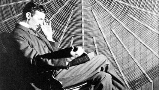 Nikola Tesla y su visión de la telefonía inteligente: el mundo como un «enorme cerebro»