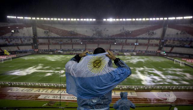 Un diario brasileño se desentiende de la lluvia y dice que Argentina no jugó por ¡miedo!