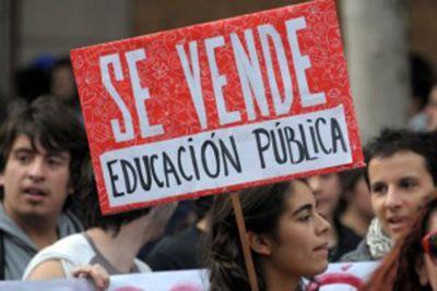 COMUNICADO: Reconstrucción de lo público, tendencias de privatización, y trayectorias profesionales marcó encuentro de trabajadores públicos de la educación