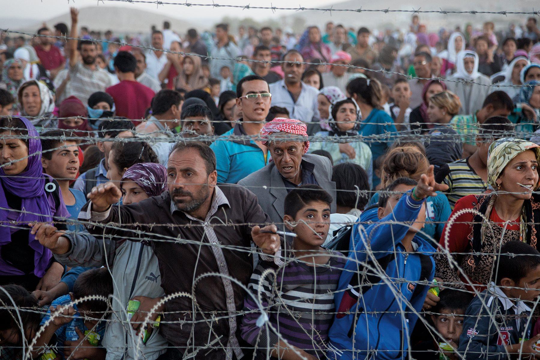 Crisis de refugiados: El cierre de las fronteras de los Balcanes deja a miles de personas separadas y varadas en Grecia