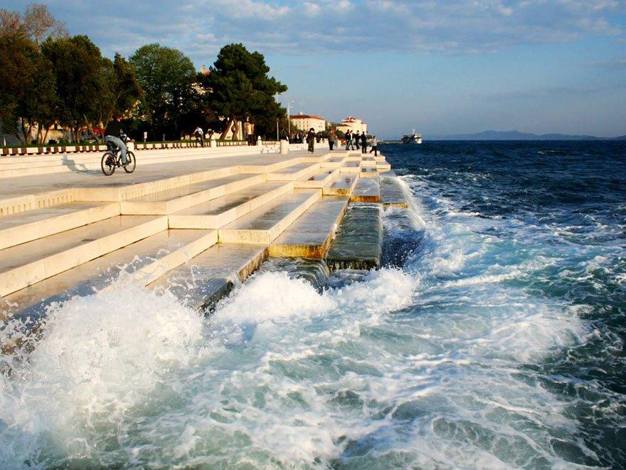 Un arquitecto croata inventó un órgano para que el mar y el viento sean los intérpretes de melodías maravillosas