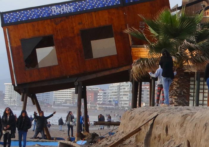 Científico alerta que playa en La Serena no está lista para un verano seguro 2016