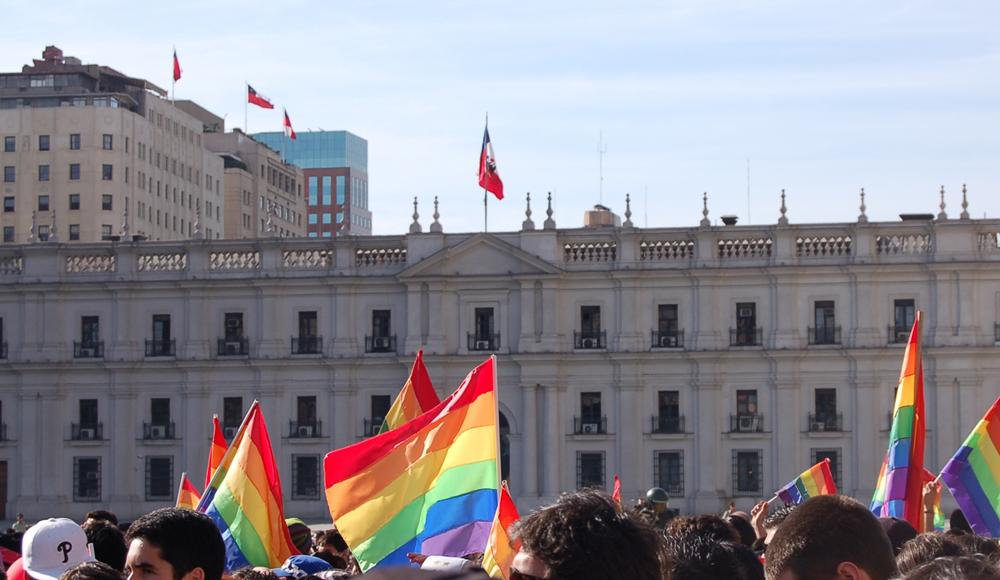 Bandera de la diversidad sexual será izada en municipios, embajadas y organismos gubernamentales