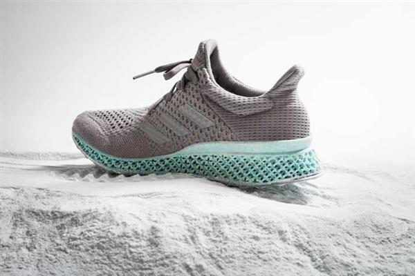 Adidas hizo estas zapatillas con desecho plástico del mar e impresión 3D
