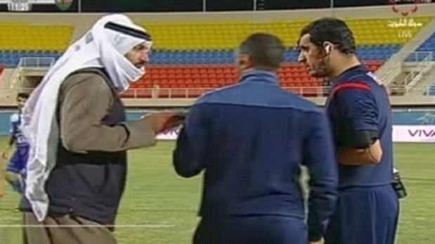 VIDEO: Jeque agrede árbitro en Kuwait y desata pelea descomunal