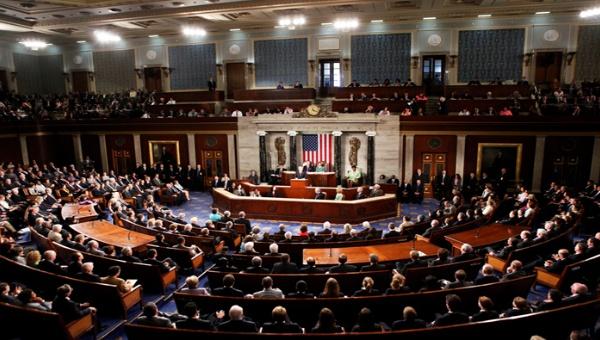 Senadores estadounidenses estudian extender sanciones contra Irán