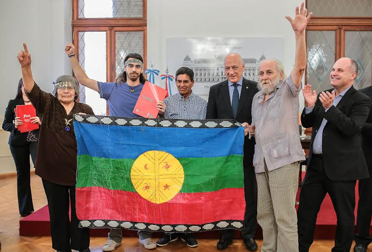 """Gobernador argentino: """"Vamos a estar siempre al lado de los Pueblos Originarios, luchando por sus derechos"""""""