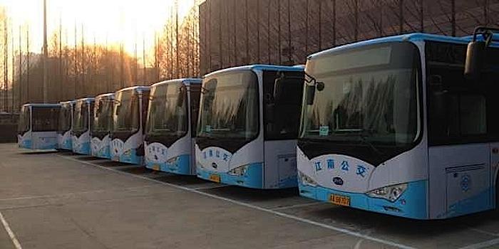 China revela su enorme y creciente flota de buses eléctricos