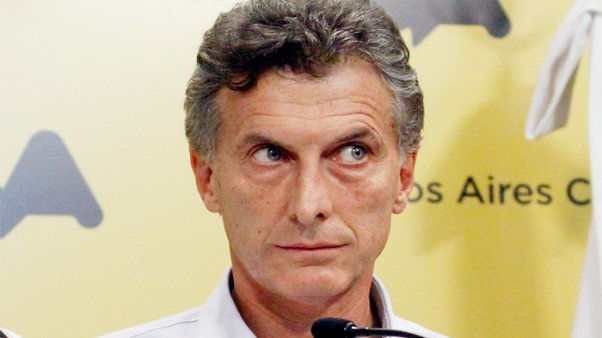 Macri traspasa la Policía Federal bajo dependencia de la Ciudad de Buenos Aires