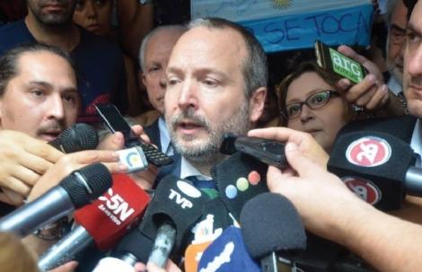 Un nuevo revés de la Justicia obliga a Sabbatella a abandonar la AFSCA