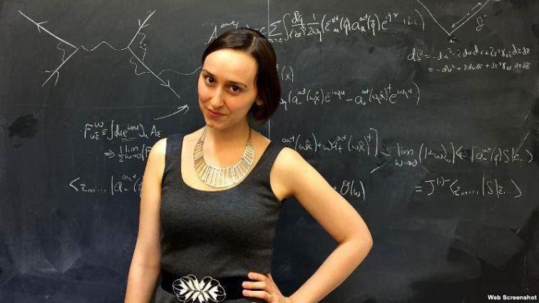 ¿La nueva Einstein? Tiene 22 años, salió del MIT y ahora sigue los pasos de Stephen Hawking en Harvard