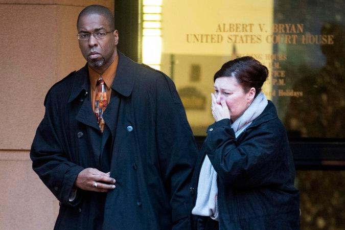 """Ex oficial de la CIA condenado por """"filtrar"""" datos a periodista habla desde la cárcel"""