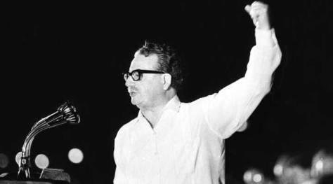 La historia del medio litro de leche entregado por el gobierno de Salvador Allende a las familias chilenas