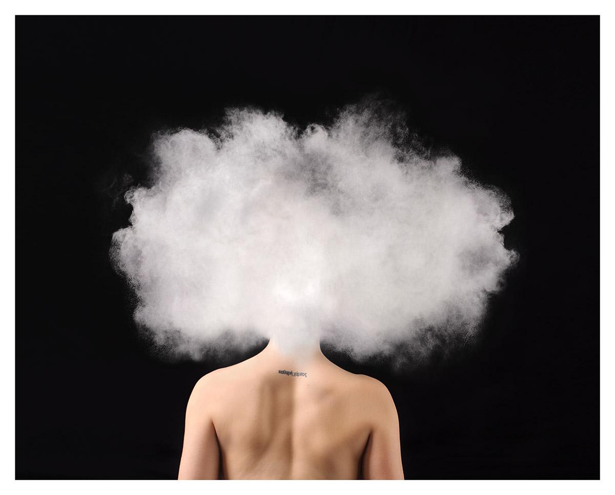 10 imágenes del trabajo fotográfico de la artista que retrató su lucha contra la ansiedad
