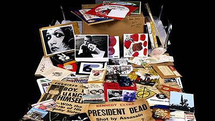 Rarezas del pop art: Las peculiares cápsulas del tiempo de Andy Warhol