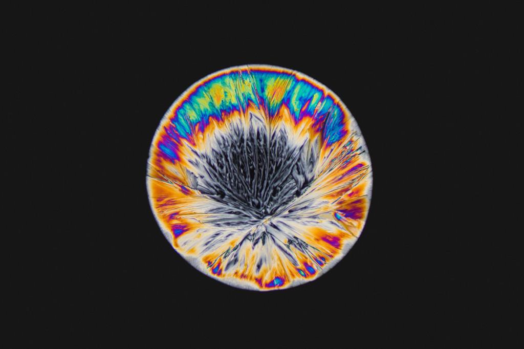 Mira las increíbles imágenes de drogas como el LSD,  éxtasis y cafeína desde el microscopio