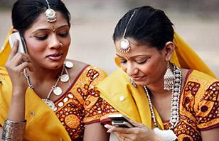 """India: Autoridades prohíben a mujeres jóvenes usar celulares porque se """"corrompen"""""""