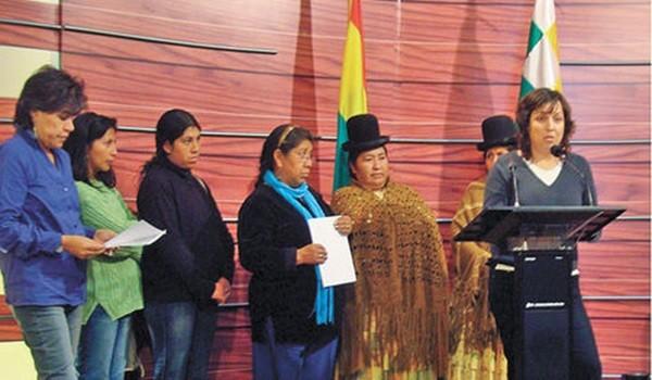 Según Evo Morales Bolivia es el segundo país con mayor participación política de mujeres