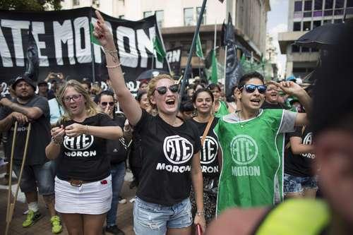 Argentina: Primer paro nacional contra las políticas de Macri