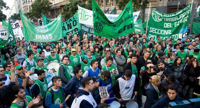 Podría haber otros 1.500 despidos más en el Estado en Argentina