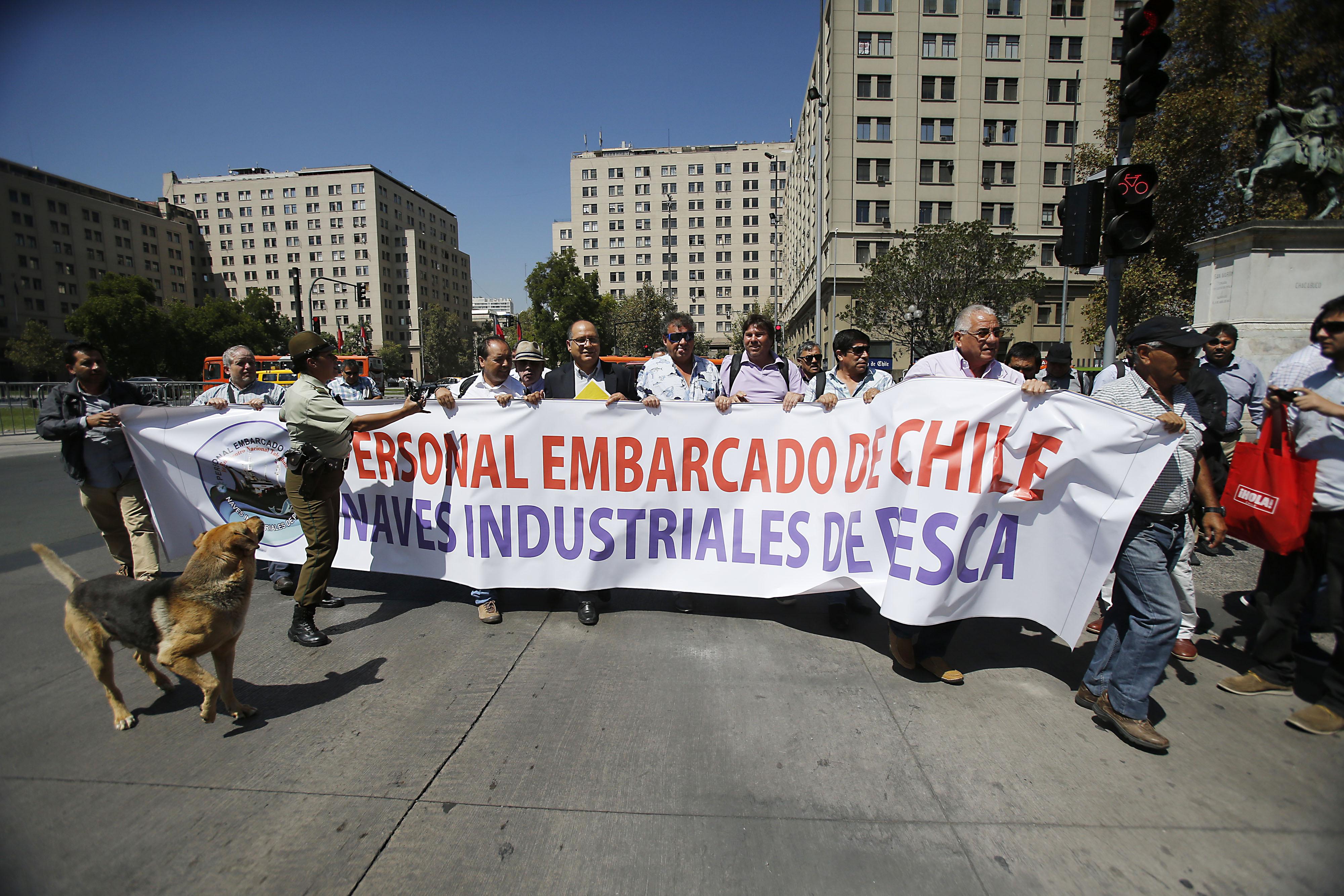 Trabajadores de la flota industrial del país critican uso político de Ley de Pesca