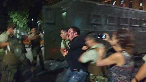 Justicia admite querella contra carabineros por torturas a dirigente: Acá su escalofriante relato