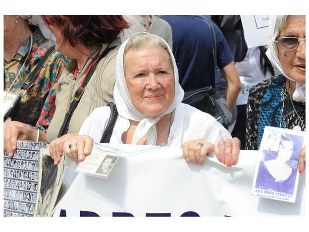 """Carta Abierta de Nora Cortiñas, Madre de Plaza de Mayo: """"Con este nuevo gobierno, hemos retrocedido 30 años"""""""