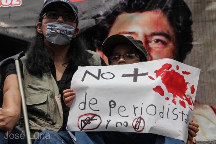 México: crean aplicación de celular para casos de agresión a periodistas y siguen los reclamos