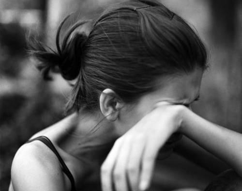 6 pensamientos negativos que te impiden ser feliz
