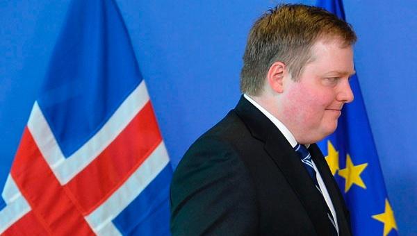 Islandia: Dimite primer ministro tras escándalo de Papeles de Panamá