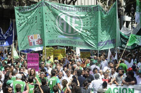 Un nuevo paro contra los despidos del gobierno de Macri