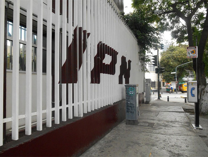 IPN destituye a director de la vocacional 5 por venta de plaza
