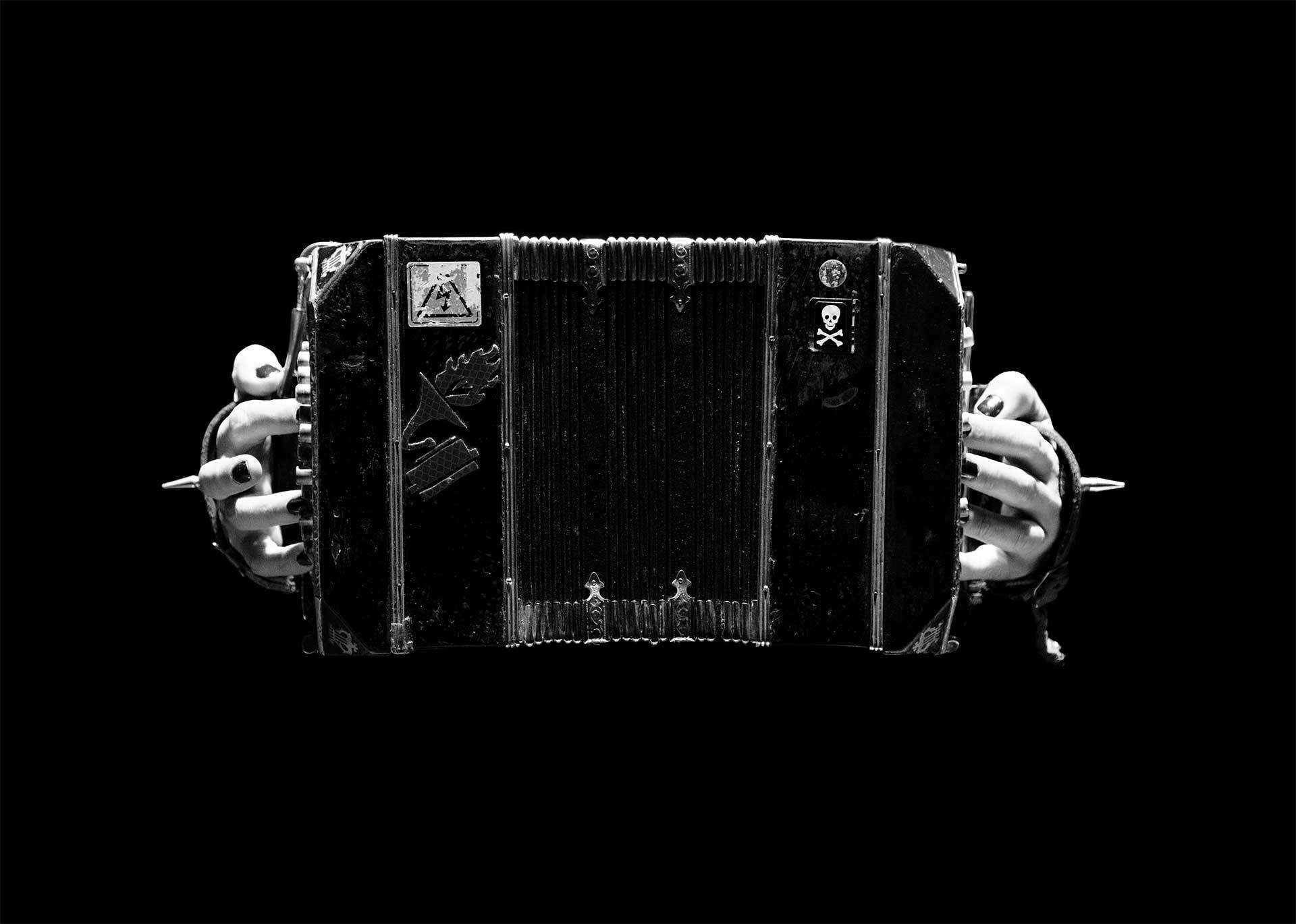Orquesta Típica Fernández Fierro: El bandoneón es un arma