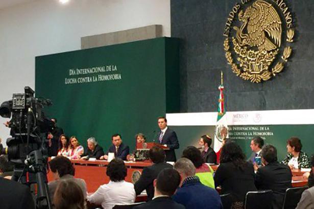 Peña promueve iniciativa para reconocer matrimonios del mismo sexo en todo el país
