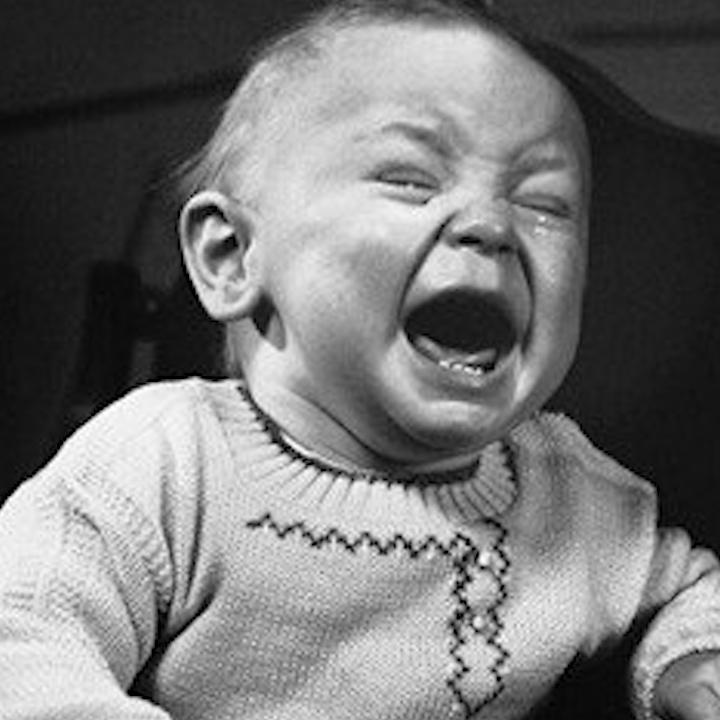 Little Albert: el salvaje experimento que logró que un bebé de 11 meses temiera a Santa Claus entre otras cosas.