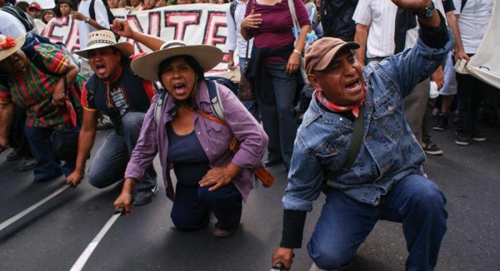Habitantes de Atenco marchan a 10 años de la represión ocurrida en sus tierras