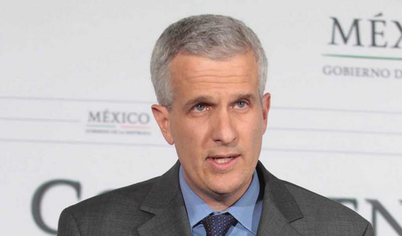 EPN  nombra a Carlos Pérez Verdía su nuevo coordinador de asesores