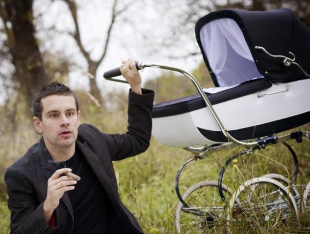 Nicotina de padres fumadores se transmite a los bebés a través de la ropa y la piel