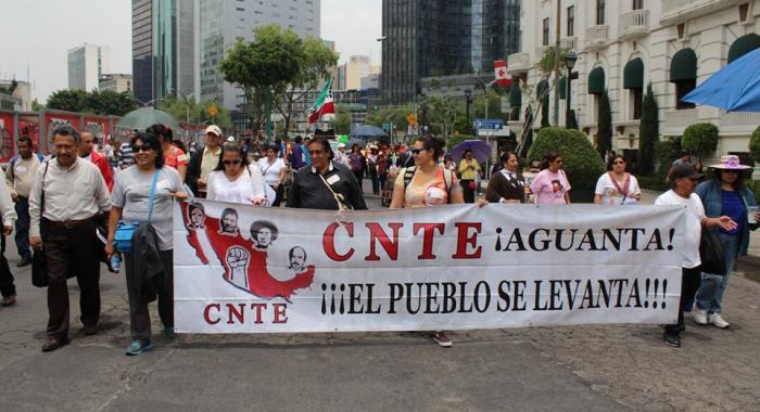 CNTE llamó a sumarse a paro indefinido el próximo 15 de mayo