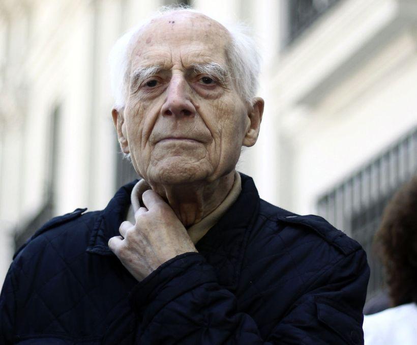 José Aldunate, «el cura obrero» recibió Premio Nacional de DDHH 2016