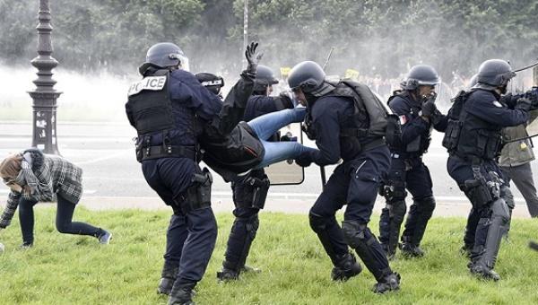 Francia: Sindicatos desafían prohibición de manifestarse decretada por el Gobierno