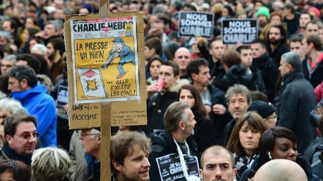 Francia investiga nuevas amenazas de muerte a Charlie Hebdo