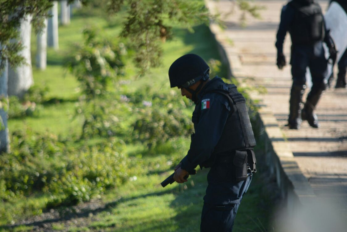 Policía mexicana dispara contra civiles desarmados, 6 muertos y el gobierno lo niega