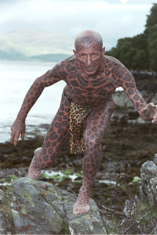 Hombre Leopardo, uno de los más tatuados del mundo, no acechará más las colinas escocesas
