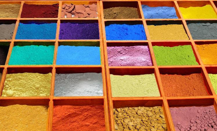 El nuevo pigmento azul descubierto por químicos en un laboratorio