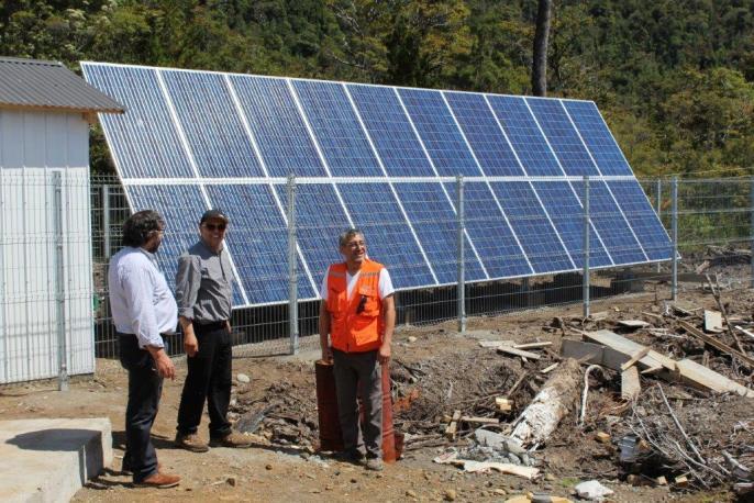 En Puerto Gala y Melimoyu: inauguran sistemas de generación fotovoltaicos de luz en postas rurales